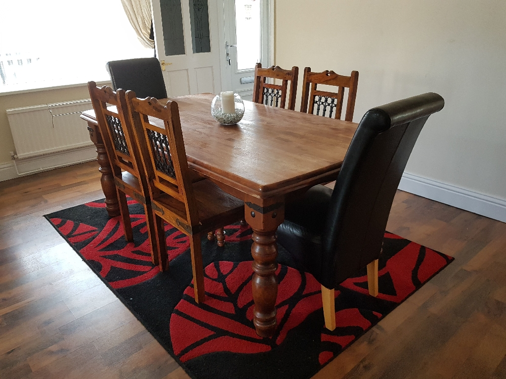 REDUCED Solid Wood Table & 6 Chairs & Free Rug
