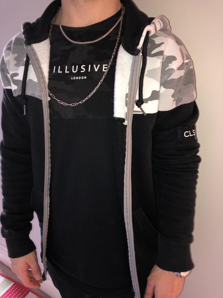 Closure hoodie