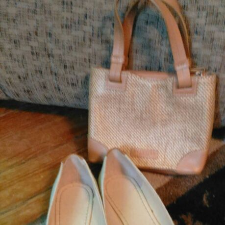 Flat shoes with purse