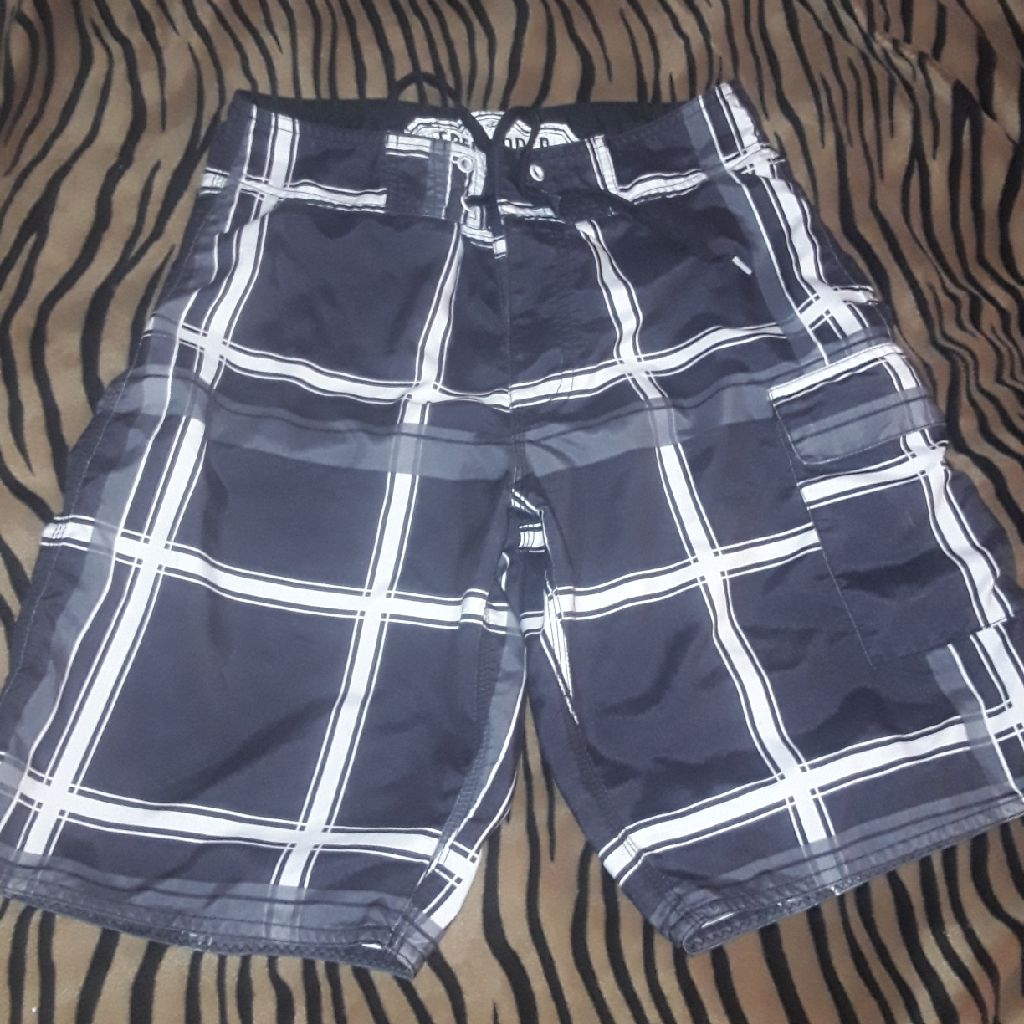 Boys (xsm mens)Freeworld board shorts like new sz28 waist