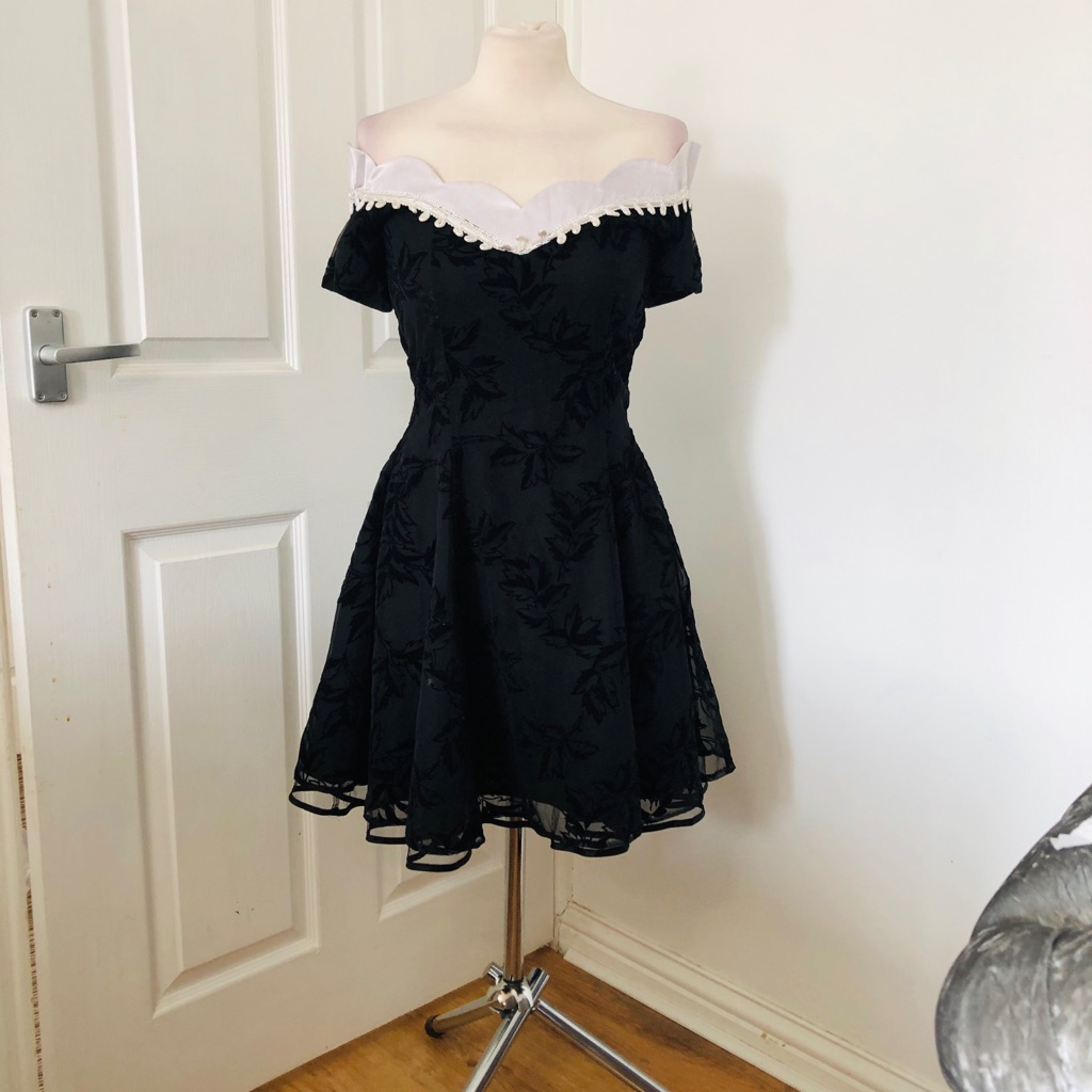 Women's Black white vintage dress size 10/12