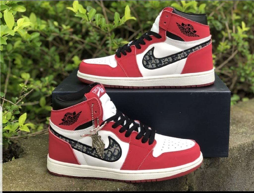 Jordan retro 1 size  9 & 10