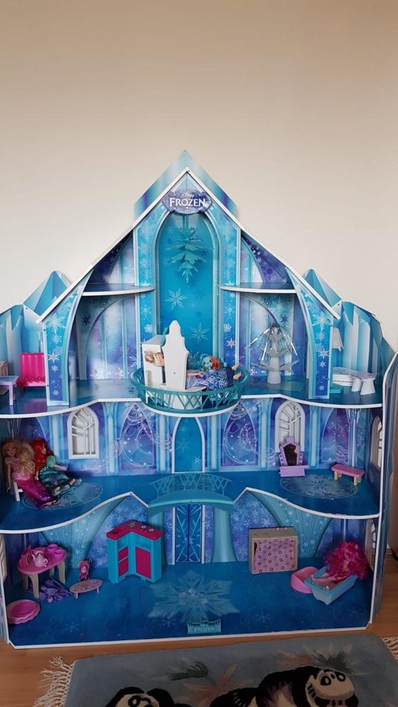 Disney Frozen Palace Castle