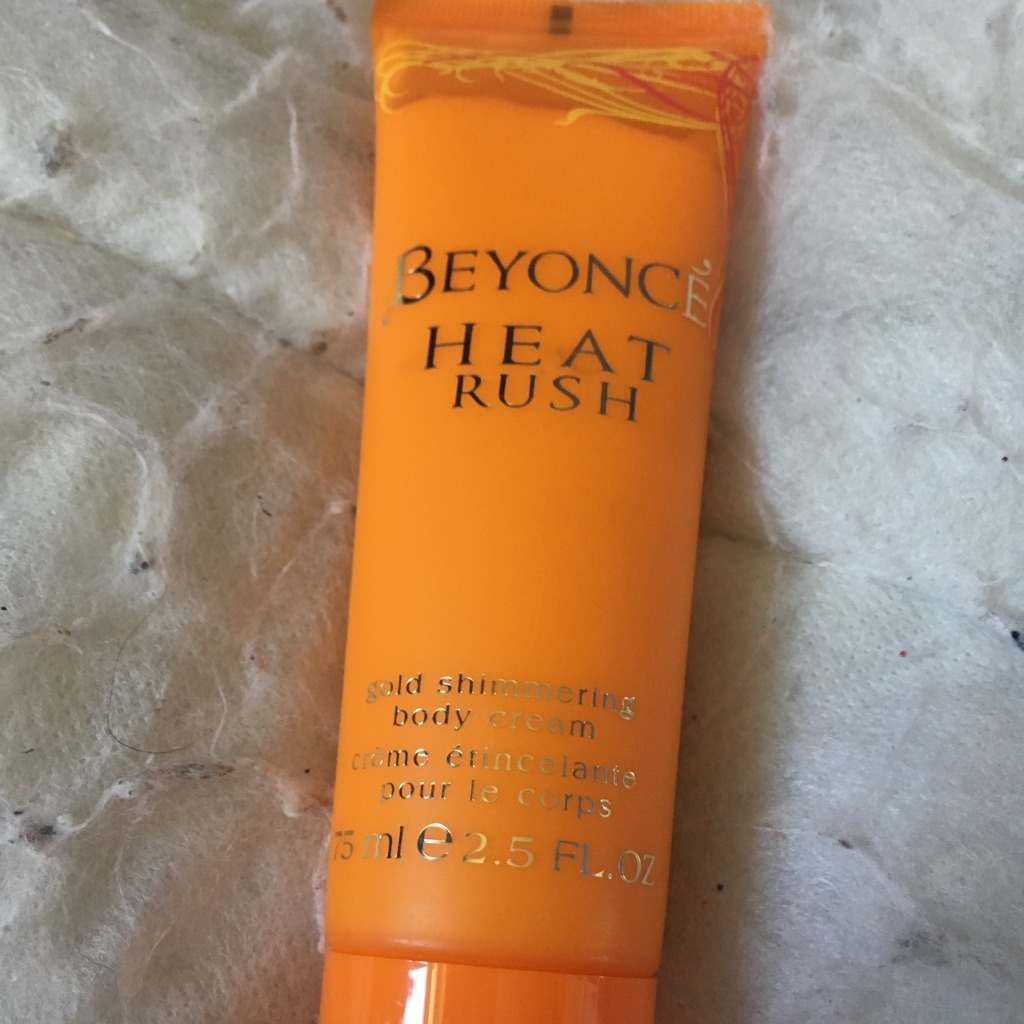 Beyoncé heat rush shimmering body cream