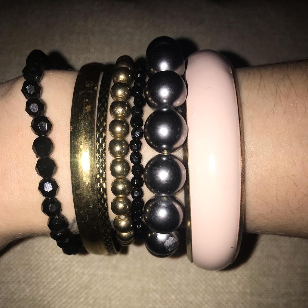 Bundle of 7 bracelets