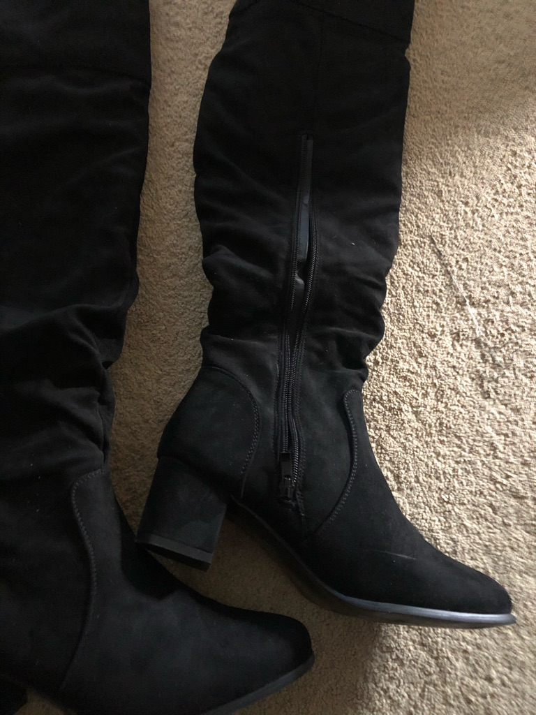 Boots size 7 over The knee