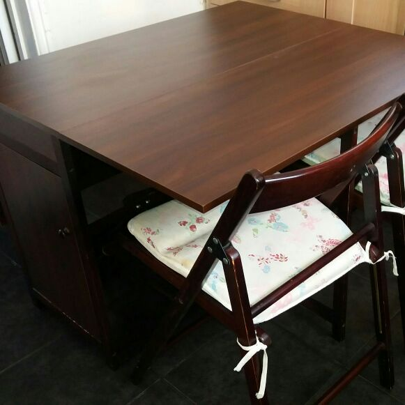 Space saver table 4 chairs