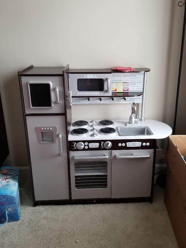 Full Kitchen set, Barbie Dream house
