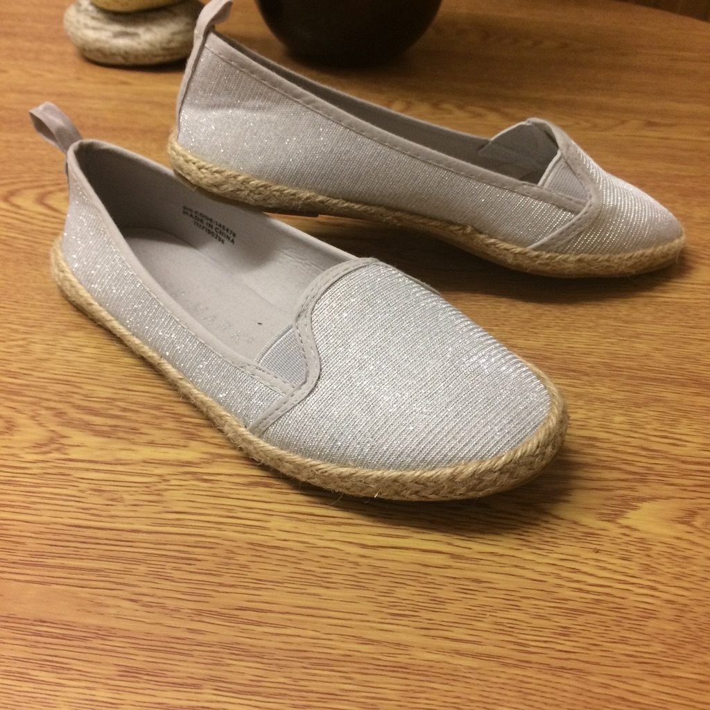 Girls shoes like toms size 13