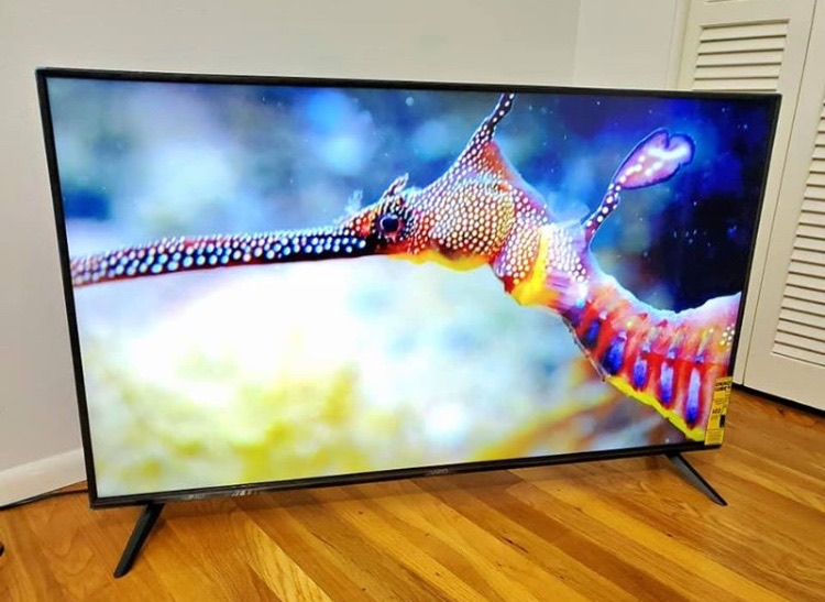 VIZIO 4k Smart Tv (70 inch)