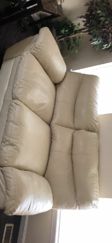 cream leather couch good condition