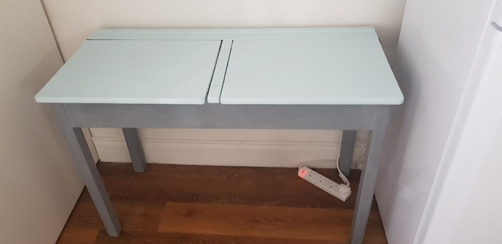 School style desk