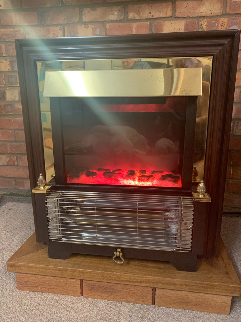 Electric coal effect fire plus surround