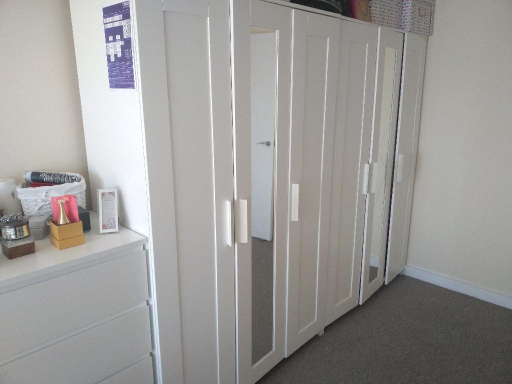 3 door wardrobes (quantity 2)@