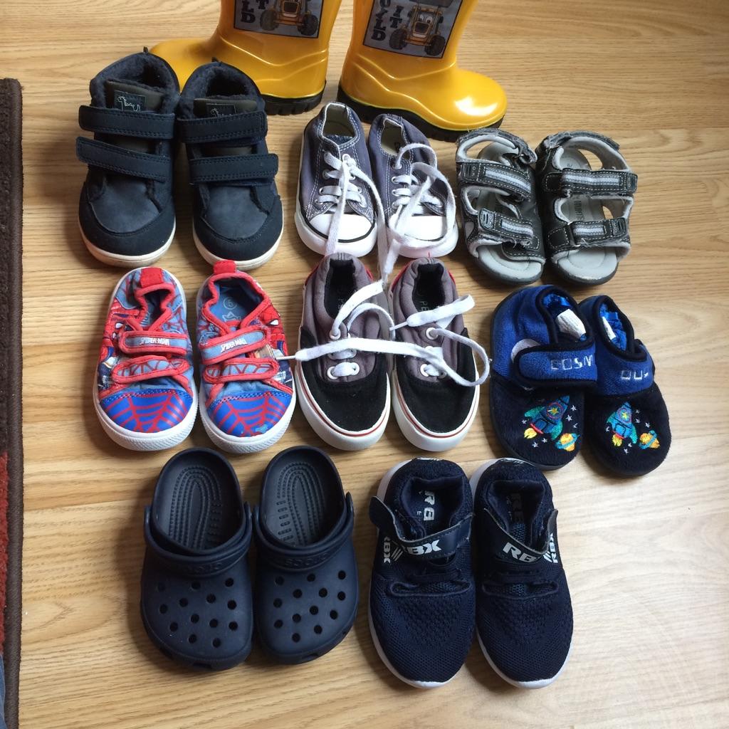 Shoes size 6 ( winter shoes size 7)