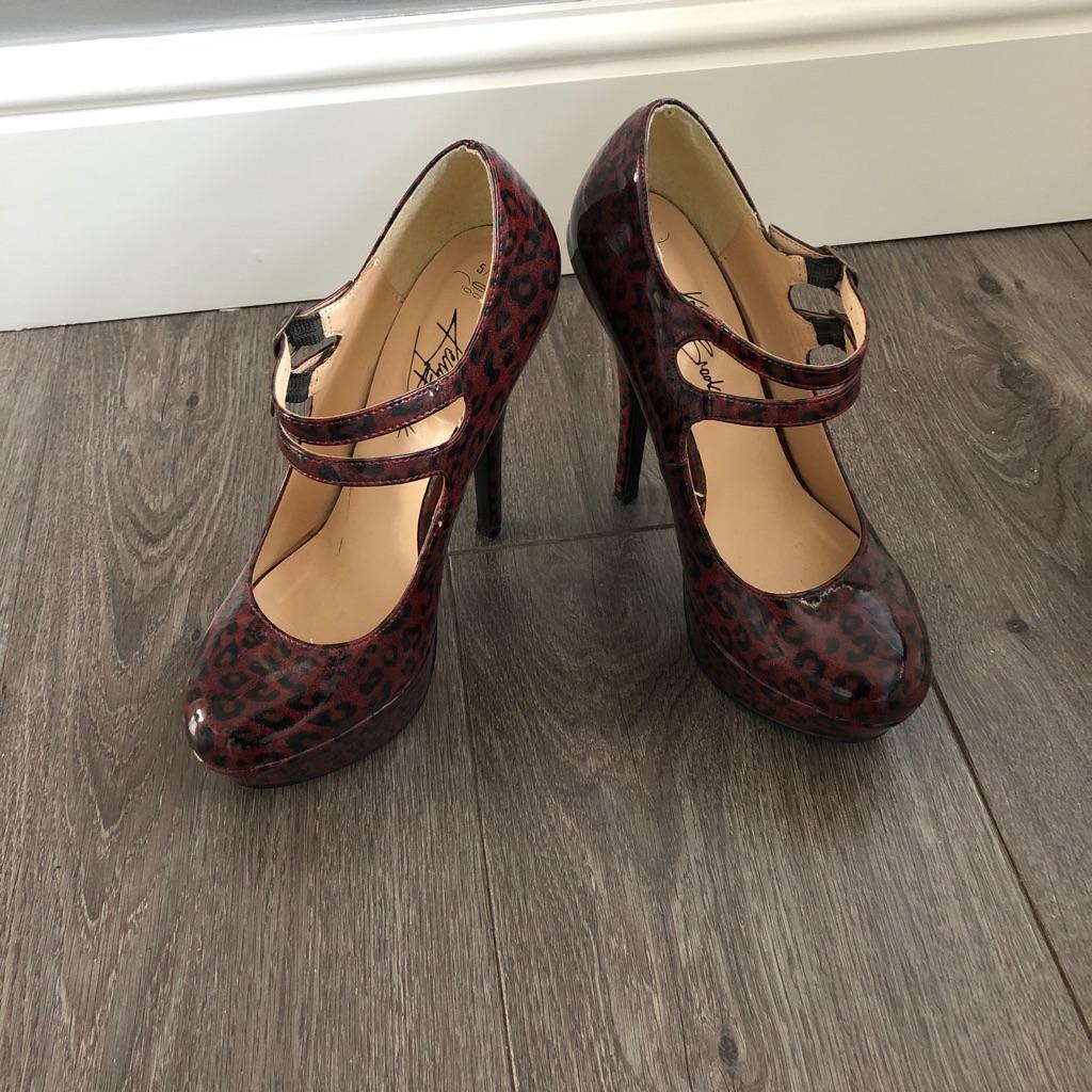 Size 5 Kelly Brooke platform heels