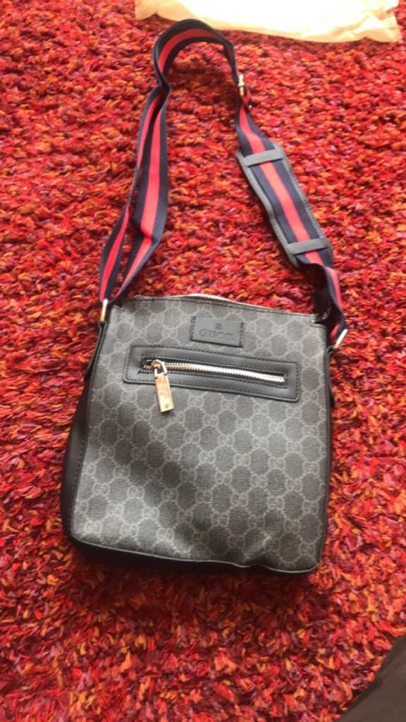 Small gucci messanger bag
