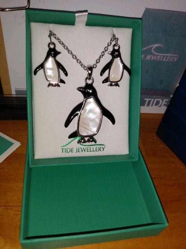 Tide mother of pearl necklace &  earrings TJ409