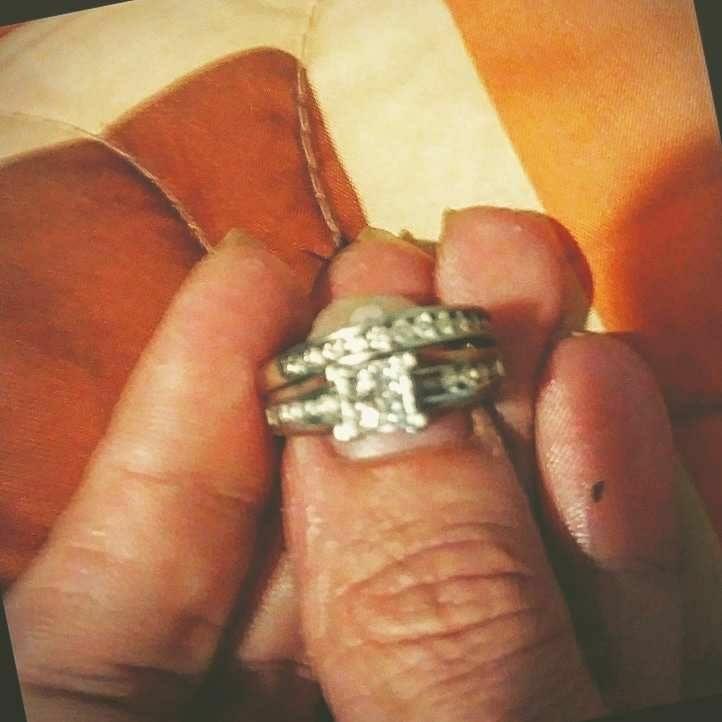 2pc 10kt white gold 1.5ct wedding set