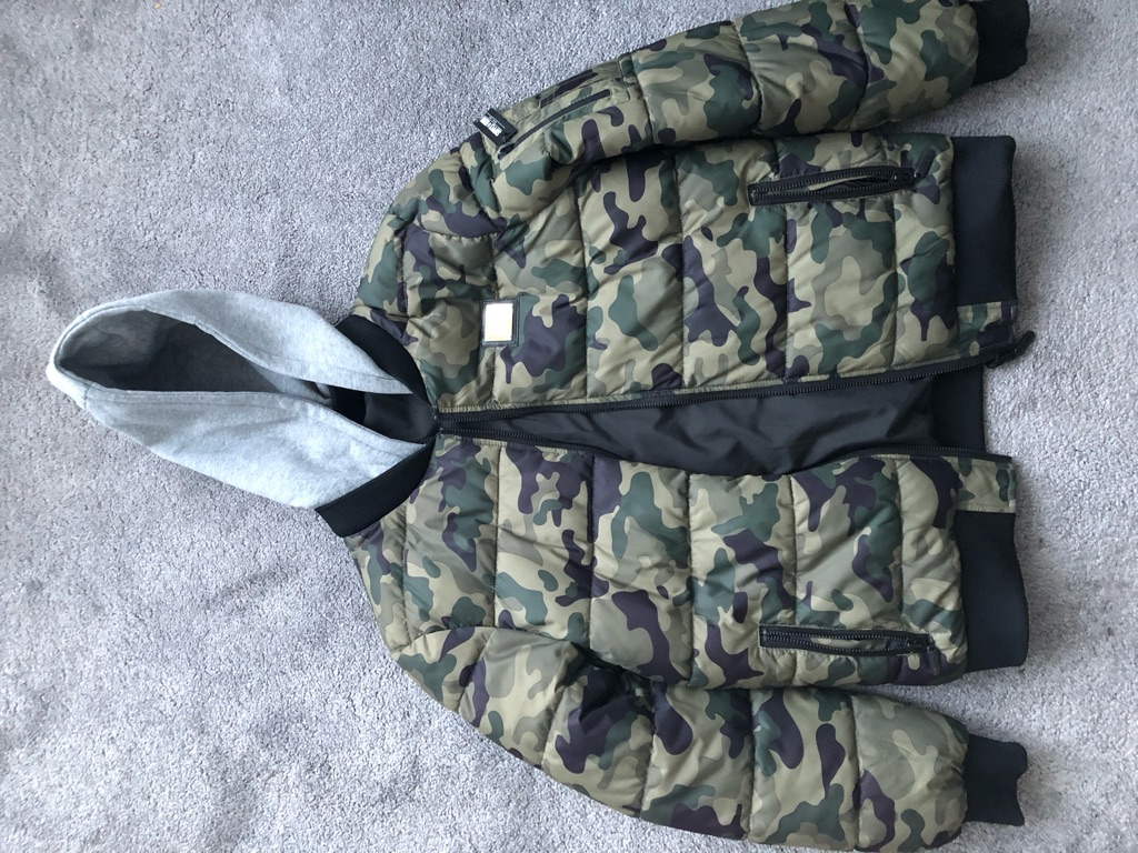 Reversible bomber jacket supply & Demand