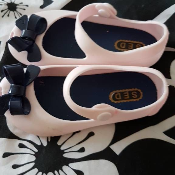 Infants girls shoes size 8more a 7