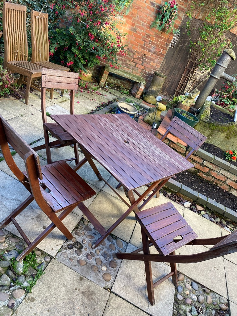 Wooden garden table and x4 chairs