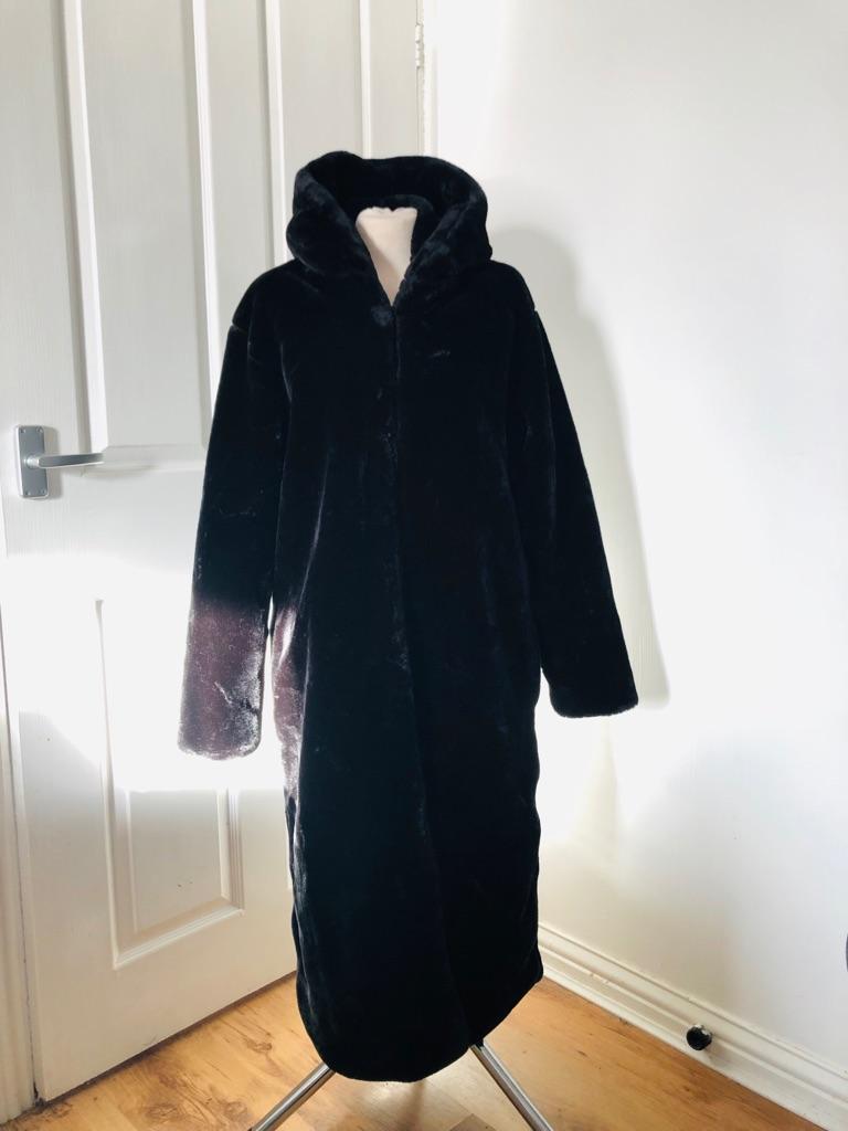 Women's Black vintage faux fur coat size 14