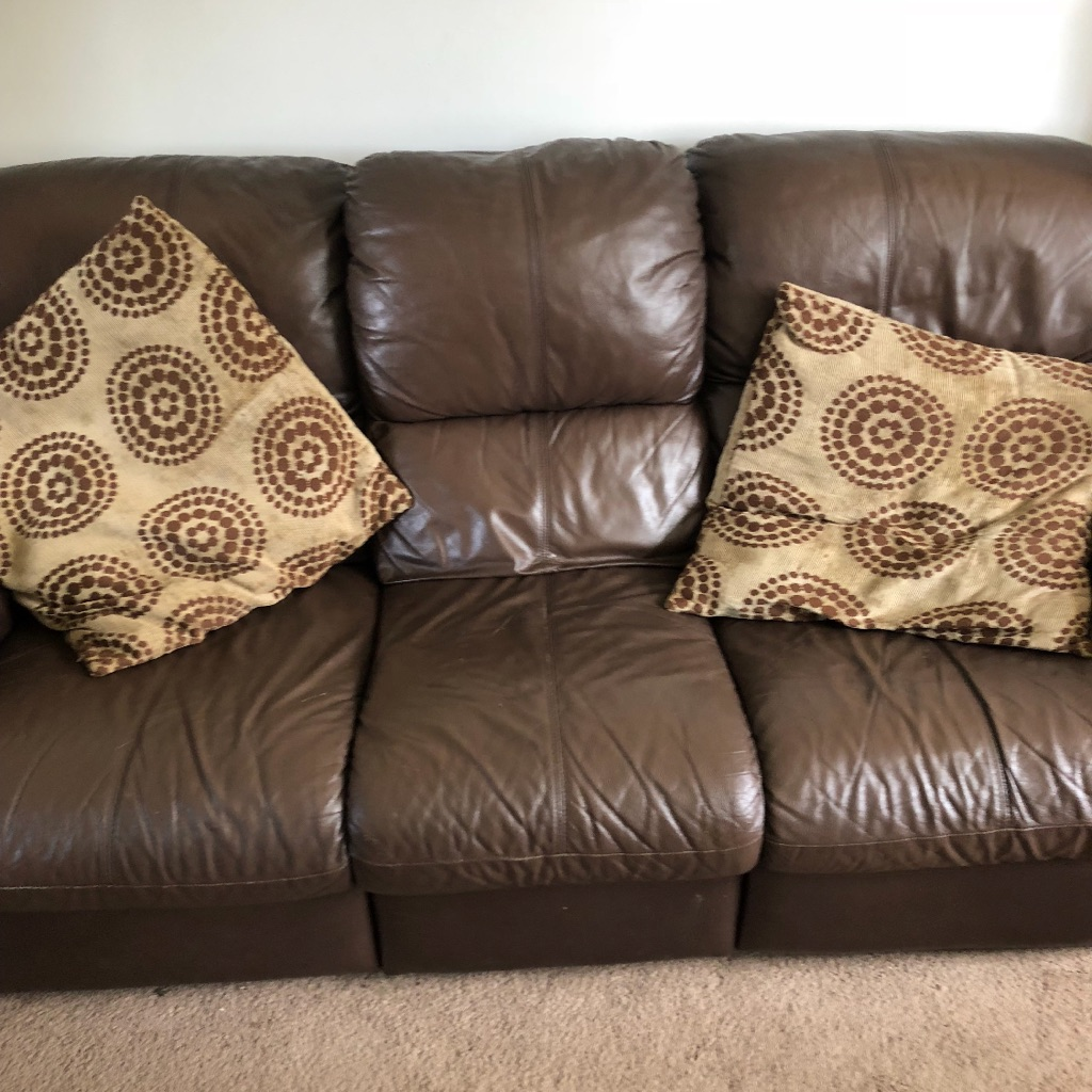 2 and 3 seater leather settee