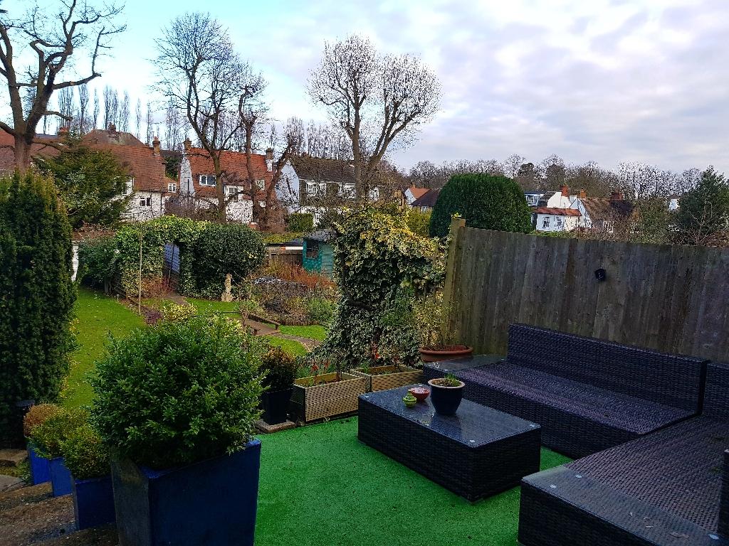 Beautiful two bedroom garden flat for rent.
