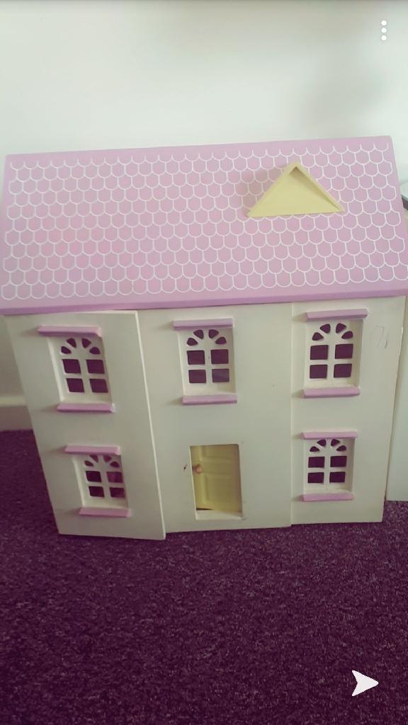 Girls large doll house