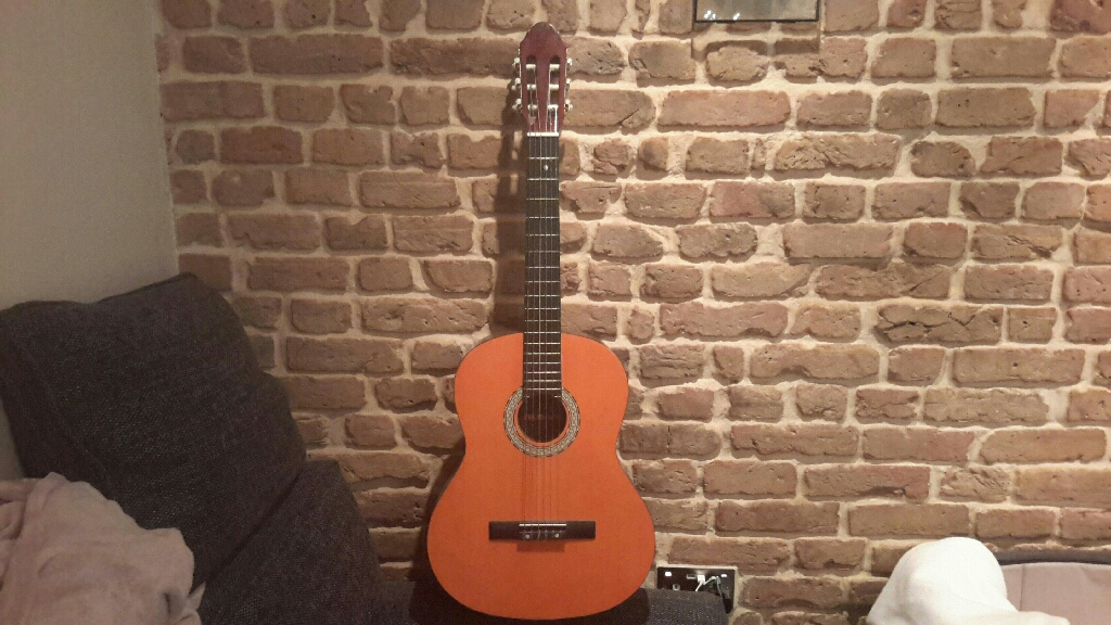 Star Sound acoustic guitar full size