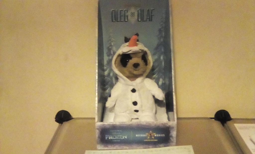 Meerkat Oleg as Frozen's Olaf collectable toy