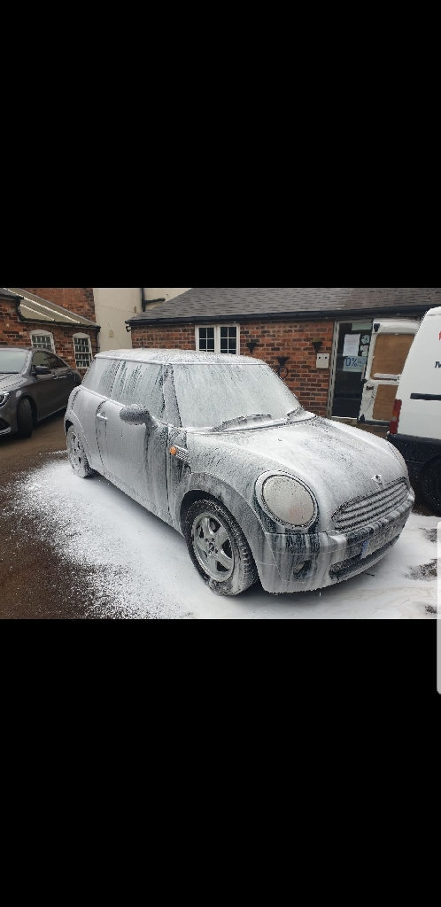 Mobile car valeting available