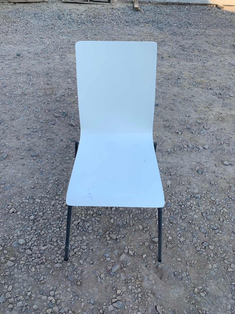 Set of 8 white stackable chairs