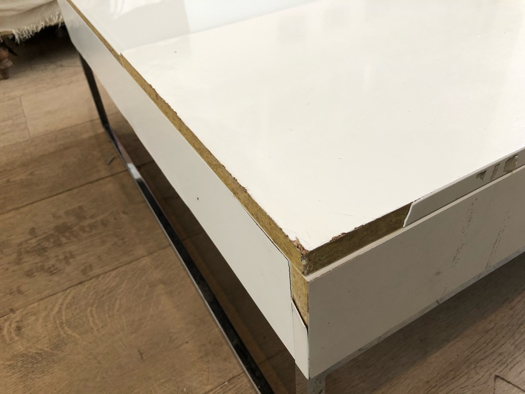 Large BoConcept extending Chiva coffee table