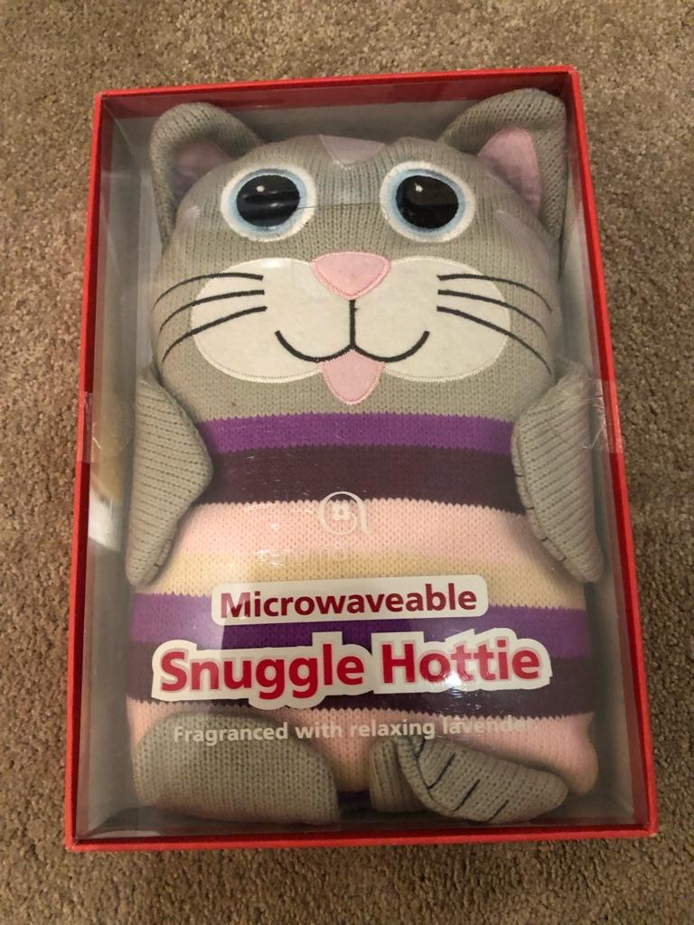 Snuggle hottie