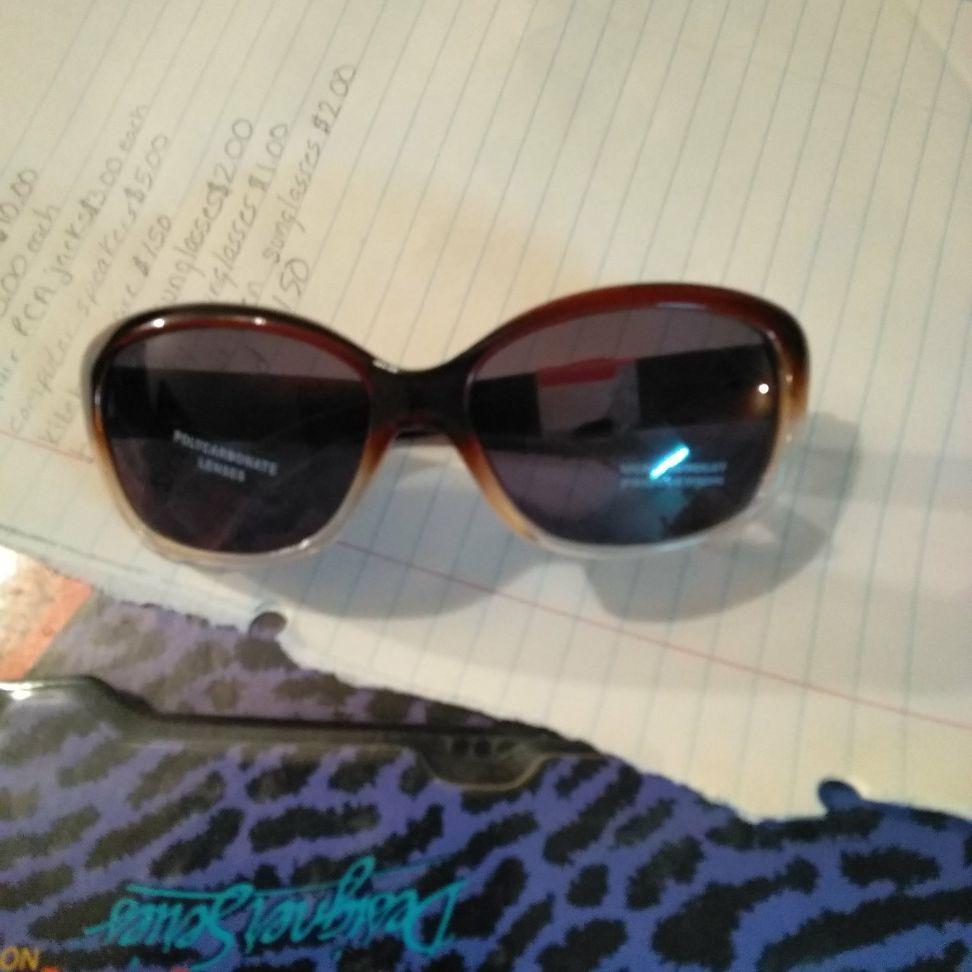 Brand new sunglasses for weman $2