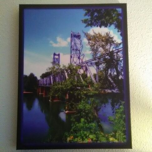 Canvas prints Salem Bridge