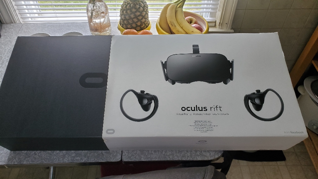 New 1 Oculus Rift, 2 Touch Controllers, 3 Sensors