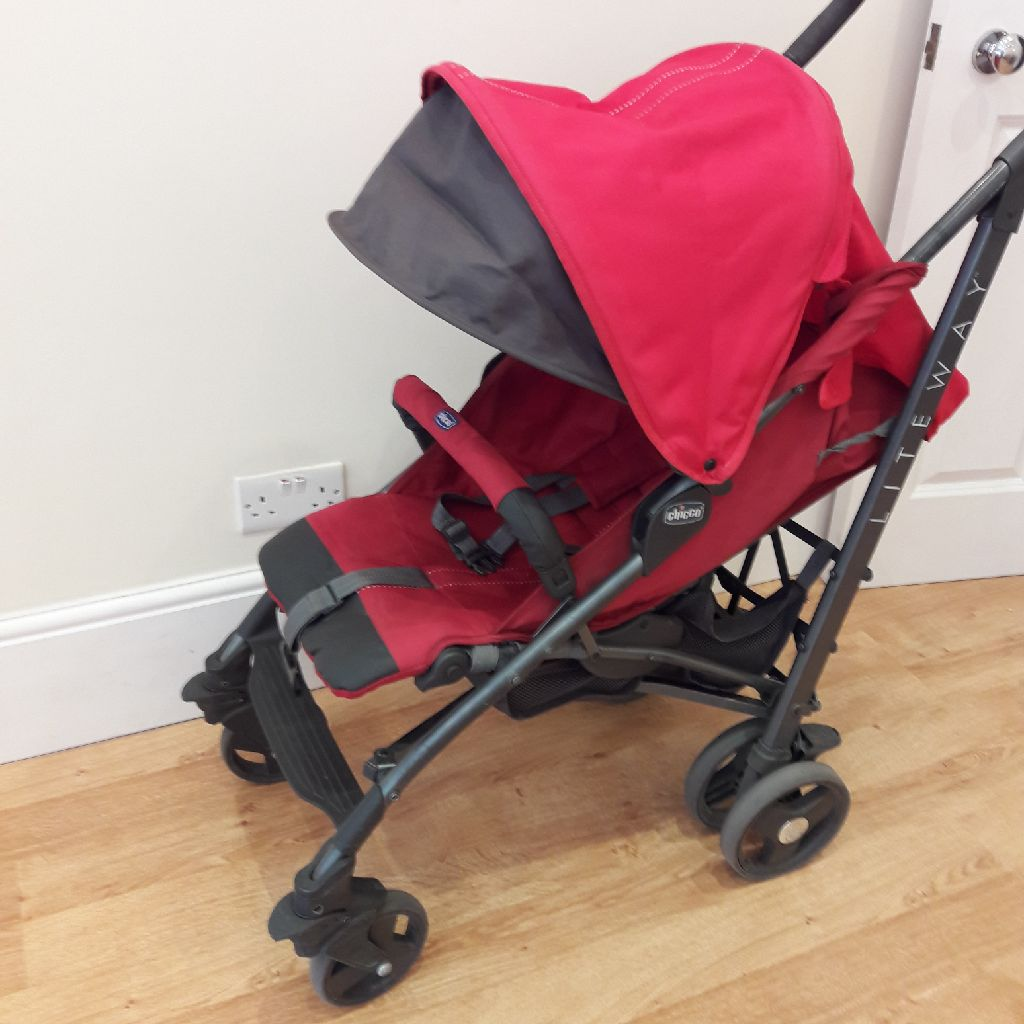 Chicco lite way . Baggy pushchair stroller. All accessories.