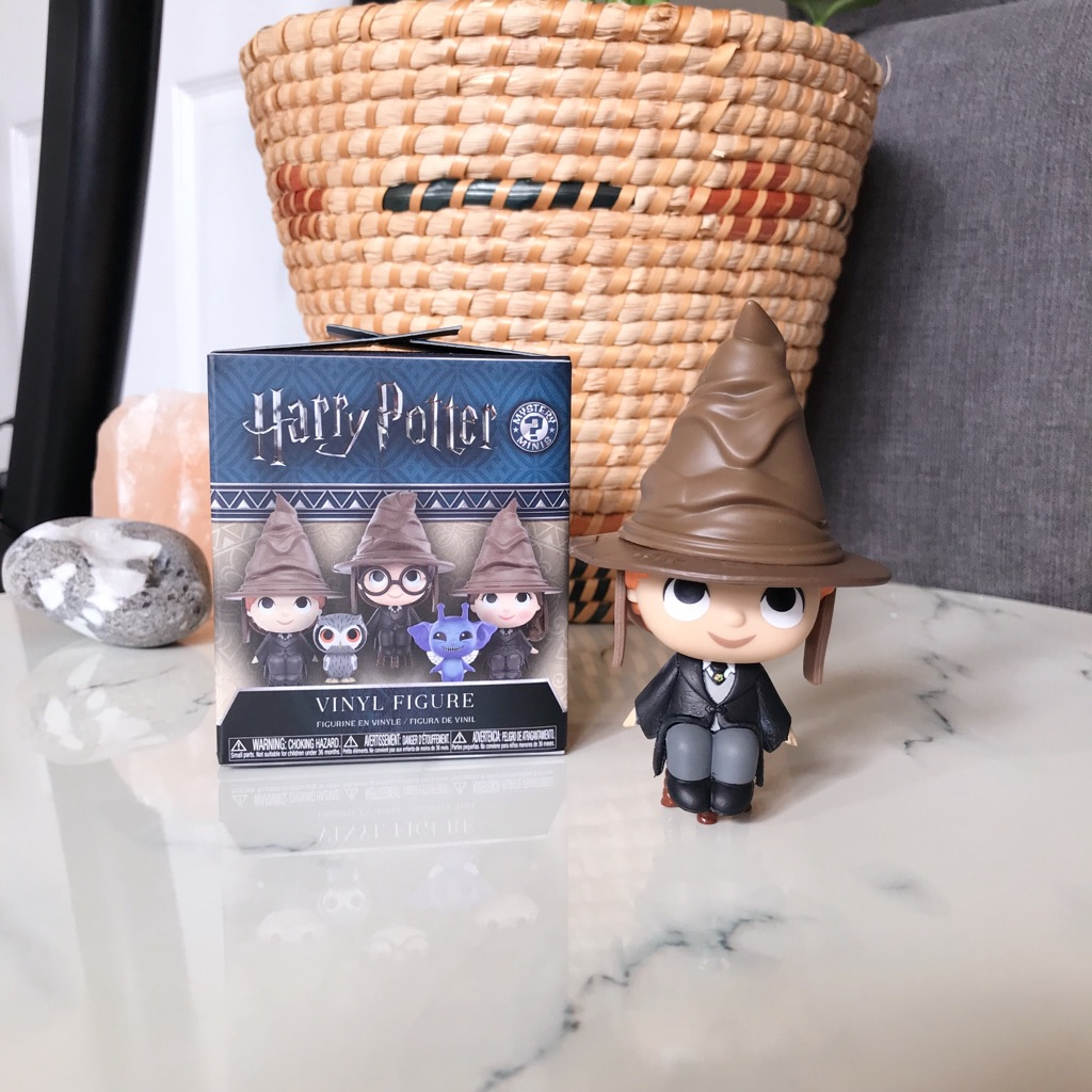 Harry Potter Mystery Mini 'Ron Weasley with Sorting Hat'
