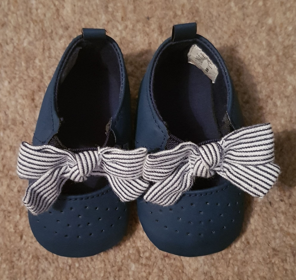 Baby girls shoes size 3-6 months