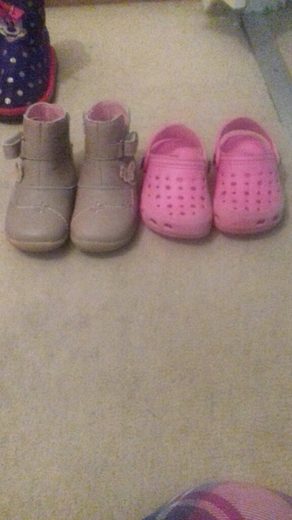 Size 4-6 toddler shoes