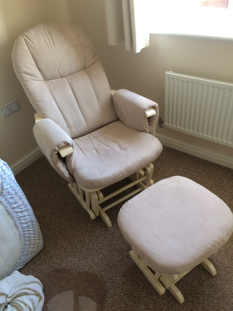 Tutti Bambini Deluxe Glider Chair And Stool In Ivory Wood