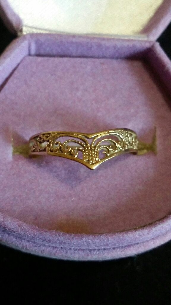9ct gold Filagree wishbone ring