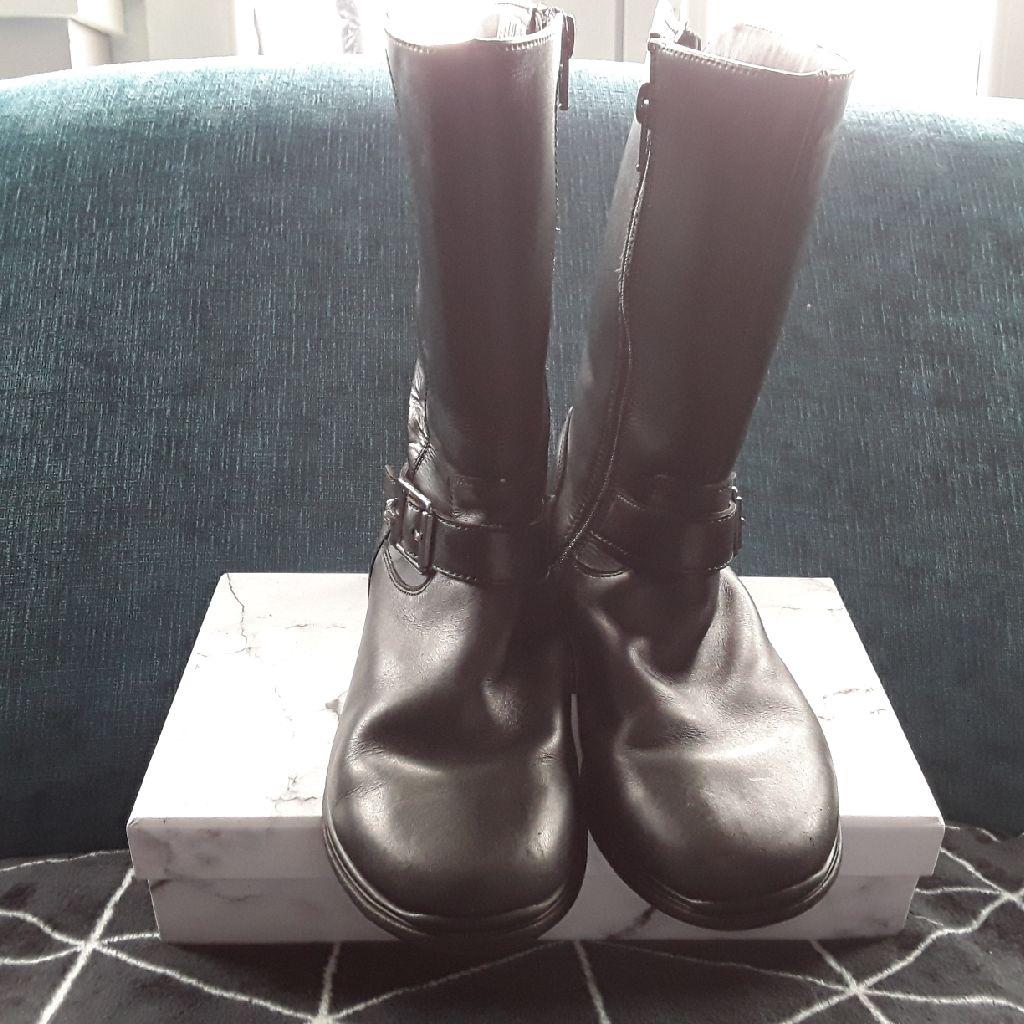 Girls kneehigh boots