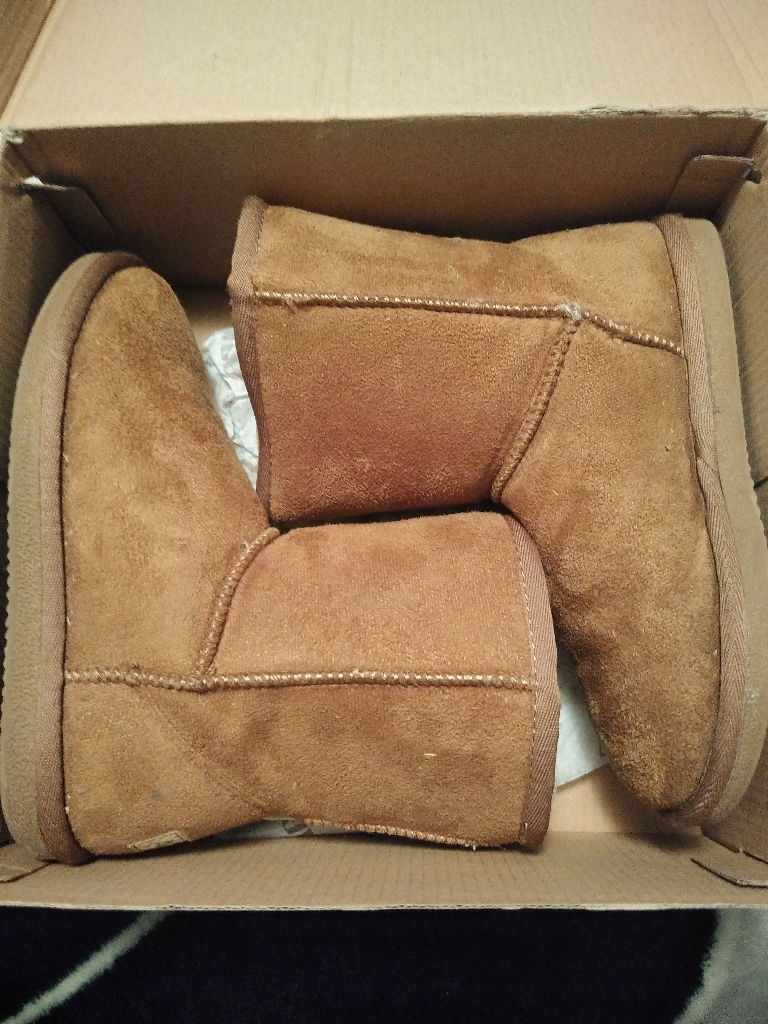 Brand New girls size 3 black and brown