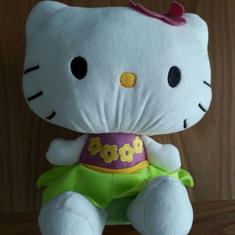 Large hello kitty