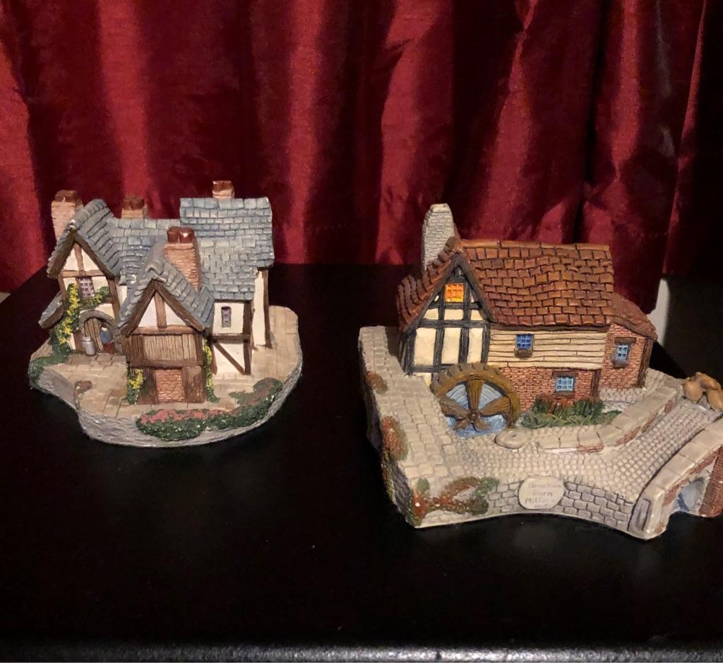 Memory Lane Cottages x2