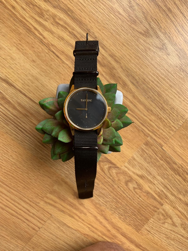 Tayroc Black & gold strap watch